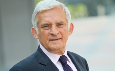 """Jerzy Buzek: """"We cannot afford further leakage of industry out of Europe"""""""